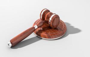 Yπόθεση ΤΕΠΑΚ: Δικαστής ζήτησε εξαίρεση λόγω γνωριμίας με τους κατηγορούμενους