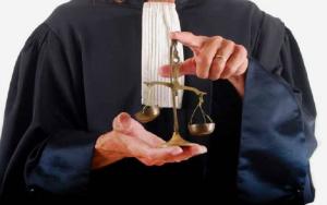 Aπό 1η Νοεμβρίου η χρήση της τηβέννου στα Δικαστήρια
