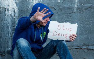 Επιτροπή Νομικών Θεμάτων και Δικαιωμάτων του Ανθρώπου: «Δεν πρέπει να παραβιάζονται ανθρώπινα δικαιώματα στις διαδικασίες ελέγχου ναρκωτικών»