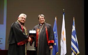 Ο Πρόεδρος της Δημοκρατίας αναγορεύθηκε σε Επίτιμο Διδάκτορα του Αριστοτελείου Πανεπιστημίου (photos)