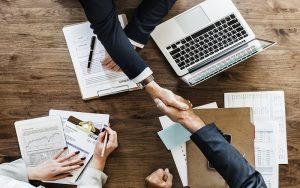 Διαφανείς και προβλέψιμοι όροι εργοδότησης για τις μη τυποποιημένες σχέσεις απασχόλησης στην Ε.Ε