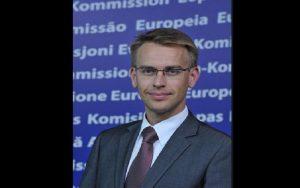 Επίτροπος Εξωτερικών Υποθέσεων ΕΕ: Η Τουρκία να σεβαστεί το διεθνές δίκαιο