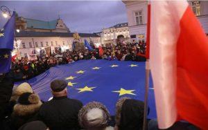 Πολωνία: Οι Δικαστές βγήκαν στους δρόμους για να διεκδικήσουν  την ανεξαρτησία τους