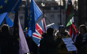 Νόμος του βρετανικού κράτους και τυπικά η συμφωνία του Brexit