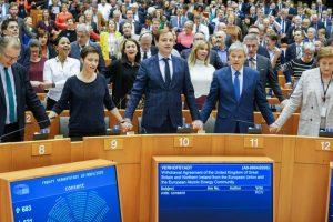 Eγκρίθηκε η συμφωνία για το Brexit  από το Ευρωπαϊκό Κοινοβούλιο