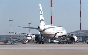 ΔΕΕ: Αγωγή αποζημίωσης λόγω καθυστέρησης κατά αερομεταφορέα μπορεί να ασκηθεί στον τόπο αναχώρησης
