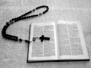 ΕΔΑΔ: Η απαγόρευση θρησκευτικών βιβλίων μαρτύρων του Ιεχωβά παραβιάζει την ελευθερία της έκφρασης