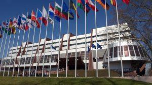 Η Επιτροπή Υπουργών ΣτΕ κάλεσε την Τουρκία να απελευθερώσει άμεσα κρατούμενο υπερασπιστή ανθρωπίνων δικαιωμάτων