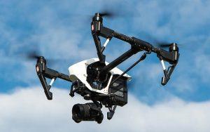 Γαλλία: To Συμβούλιο της Επικρατείας απαγόρευσε τη χρήση drones για παρακολούθηση των υγειονομικών κανόνων της πανδημίας