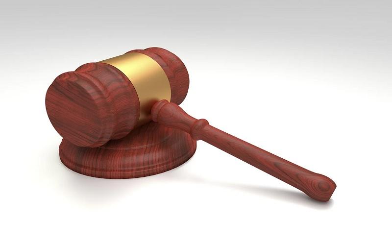 Αντισυνταγματικότητα νόμου για καταχρηστικές ρήτρες σε επιχειρηματικές συμβάσεις πολύ μικρών επιχειρήσεων