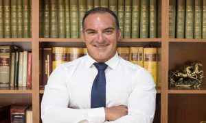 Γιάννης Πολυχρόνης: «Μια γρίπη κατάφερε να γονατίσει χιλιάδες γραφεία»