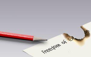 Το συνταγματικό δικαίωμα ελευθερίας του λόγου και  έκφρασης – Απάντηση στη 'θύελλα αντιδράσεων'  για το άρθρο μαθήτριας