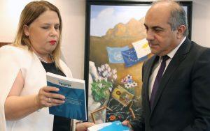 Στη Βουλή oι Ετήσιες Εκθέσεις της Επιτρόπου Διοικήσεως και Προστασίας Ανθρωπίνων Δικαιωμάτων – Χώρα προορισμού θυμάτων εμπορίας η Κύπρος σύμφωνα με την Επίτροπο