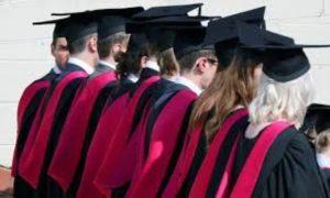 Ενώπιον της Βουλής το θέμα της λειτουργίας ξενόγλωσσων προγραμμάτων στα δημόσια πανεπιστήμια