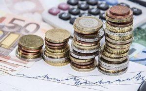 Σε έξι δόσεις η καταβολή του ΦΠΑ που είχε ανασταλεί, με βάση νόμο που ψήφισε η Βουλή