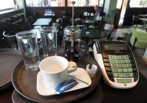 Τροποποιείται στις έξι δόσεις η πρόταση νόμου για καταβολή του ΦΠΑ