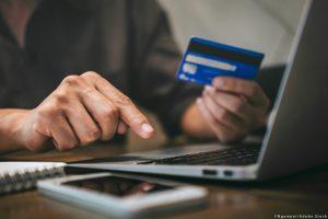 Covid-19: Πώς να προστατευτείτε από διαδικτυακές απάτες και αθέμιτες πρακτικές