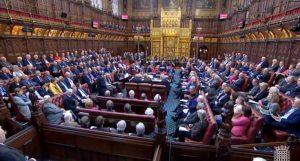 Καταψήφισε η Βουλή των Λόρδων το νομοσχέδιο που παραβιάζει τη συμφωνία του Brexit