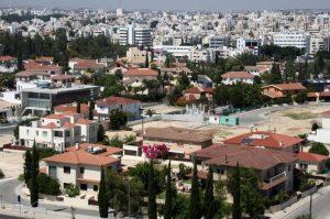 Προχωρούν ως έχουν τα νομοσχέδια για φορολογικά κίνητρα σε ιδιοκτήτες ακινήτων που μειώνουν ενοίκια