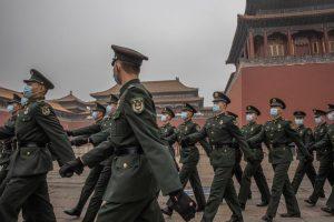Βρετανία και ΗΠΑ επέβαλαν κυρώσεις σε Κινέζους αξιωματούχους για καταπάτηση ανθρωπίνων δικαιωμάτων στη Σιντζιάνγκ