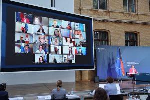 Δέσμευση ΥΔΔΤ κας Έμιλυς Γιολίτη για στήριξη στην πρωτοβουλία για τη δημιουργία πανευρωπαϊκής τηλεφωνικής γραμμής στήριξης των θυμάτων βίας κατά των γυναικών