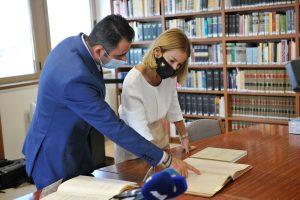 Συνέντευξη Τύπου ΥΔΔΤ κας Έμιλυς Γιολίτη και Αν. Εφόρου Κρατικού Αρχείου κ. Χρίστου Κυριακίδη