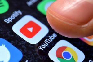 ΔΕΕ: Οι διαχειριστές ηλεκτρονικών πλατφορμών απαλλάσσονται της ευθύνης αν δεν γνωρίζουν την παρανομία
