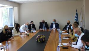 Συνάντηση του Προέδρου και Μελών της Κοινοβουλευτικής Επιτροπής Νομικών με τον Πρόεδρο και την Εκτελεστική Επιτροπή του ΠΔΣ