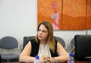 Φαινόμενα ξενοφοβικού λόγου παρατηρούνται και στην Κύπρο, λέει η Επίτροπος Διοικήσεως