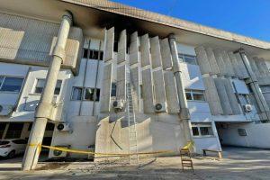Εκτεταμένες ζημιές σε τεκμήρια από τον εμπρησμό αίθουσας του δικαστηρίου Λεμεσού