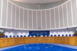 Σεβαστή η απόφαση ΕΔΑΔ, θα αξιολογηθεί από Ν. Υπηρεσία λέει στο ΚΥΠΕ ο Κυβερνητικός Εκπρόσωπος