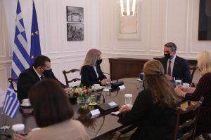 Ελλάδα και Κύπρος διαχειρίζονται τις προκλήσεις υπό το πρίσμα του διεθνούς δικαίου, είπε η Πρόεδρος της Βουλής