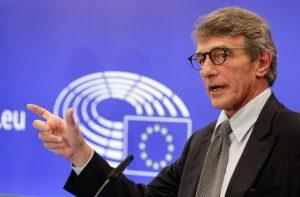 Προσφυγή στο ΔΕΕ κατά της Κομισιόν από Ευρωβουλή για το ζήτημα της Πολωνίας